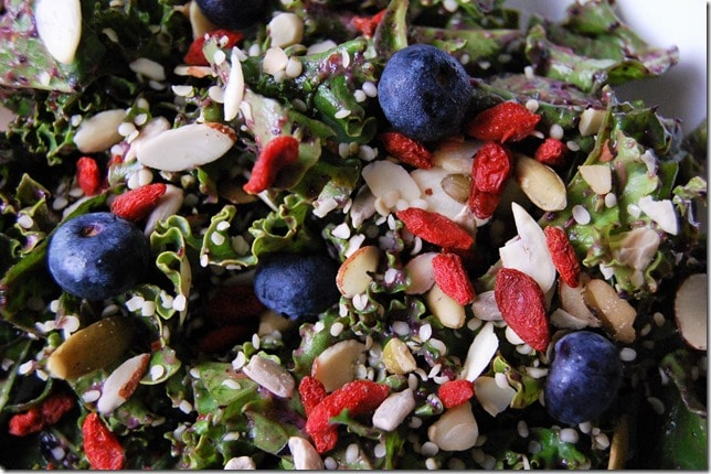 blueberry kale salad toppings