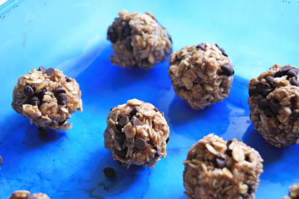 Oatmeal Cookie Chocolate Chip Energy Balls