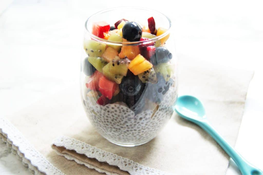 Super simple, easy delicious coconut vanilla chia pudding recipe!