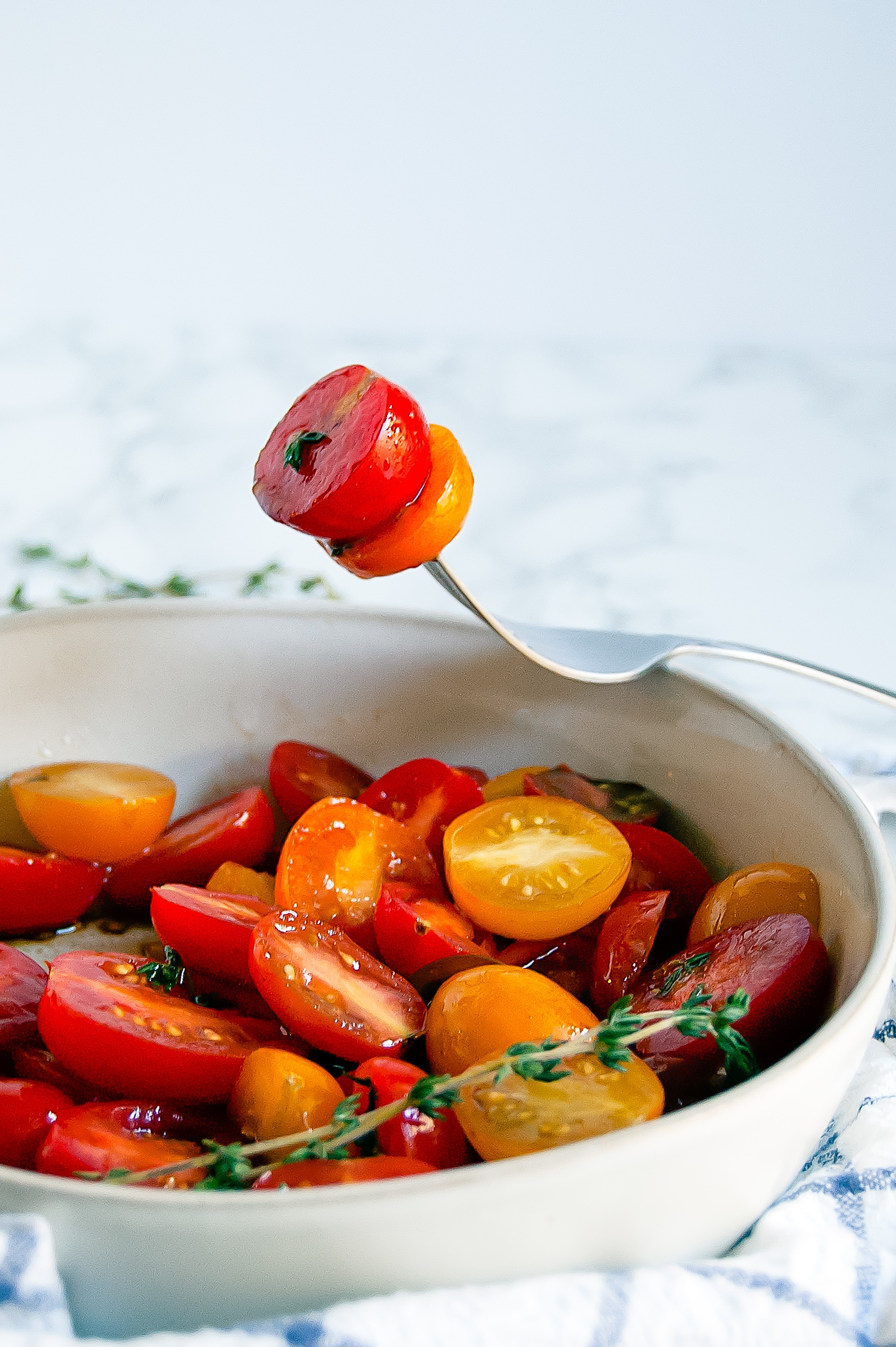 5-Minute Balsamic Thyme Tomato Salad is a light, fresh, simple salad side dish perfect for picnics and hot summer nights! | gluten-free, dairy-free, nut-free, soy-free, free of all other top 8 most common allergens | Nutrition to Fit