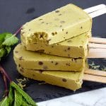 These mint chocolate chip popsicles have natural, food allergy-friendly ingredients for a healthy summer treat.