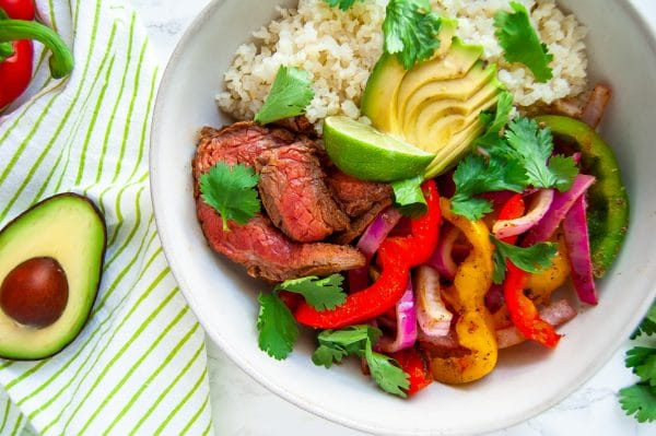 Grilled steak fajitas veggie bowl is an easy, healthy dinner recipe that's light and full of veggies!