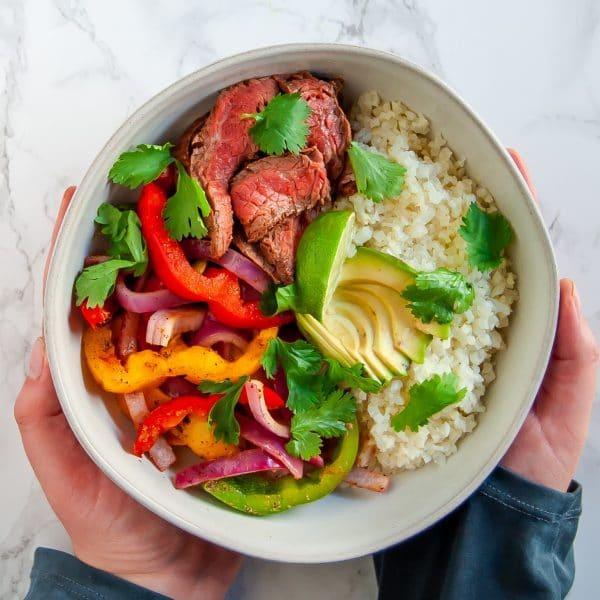 Grilled steak fajitas veggie bowl is an easy, healthy dinner recipe that's light and full of veggies!